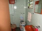 Banheiro nos fundos
