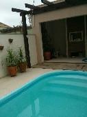 Pátio com piscina