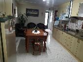 Cozinha mobiliada e jantar