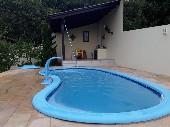 Quiosque com piscina
