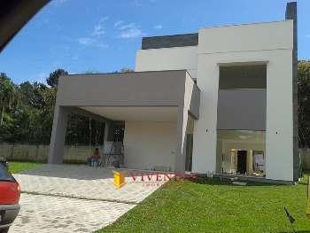 Linda Casa em Constru��o no Condom�nio Serra Azul