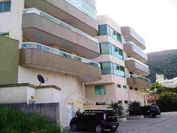 Apartamento com 3 quartos.