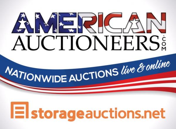 storage auction 4674 at us storage centers long beach ca. Black Bedroom Furniture Sets. Home Design Ideas