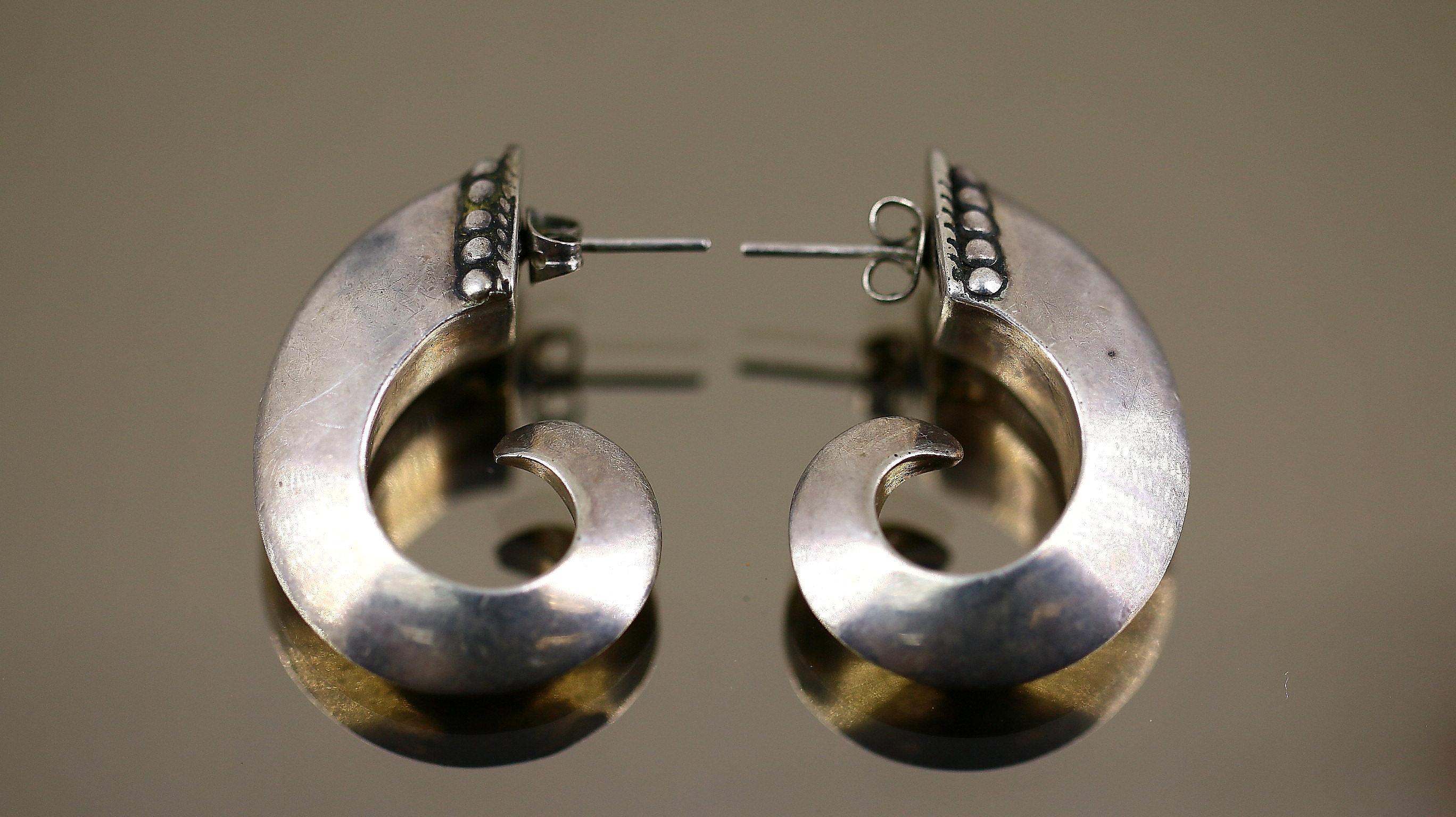 Sterling Silver Rectangle Wavy Twist Stud Earrings