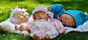Dolls Help with Dementia
