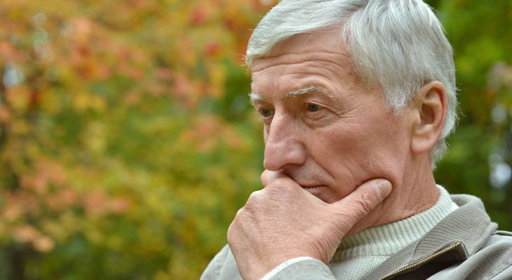 What are risk factors of Alzheimer's?