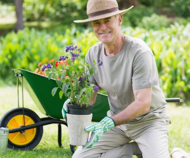 5 Gardening Tips for Seniors