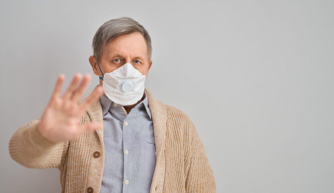 Old man wearing facemask