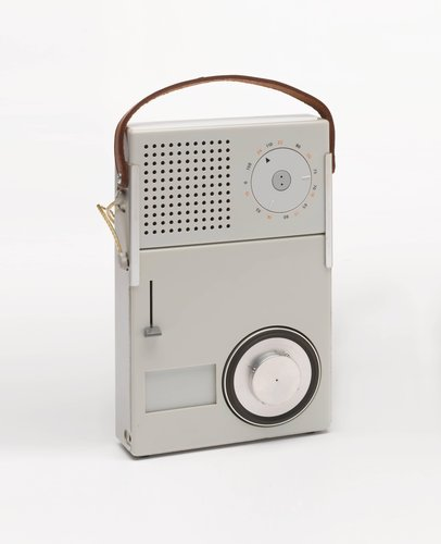 Braun TP 1 transistor radio (T 3) with phonograph (P 1)