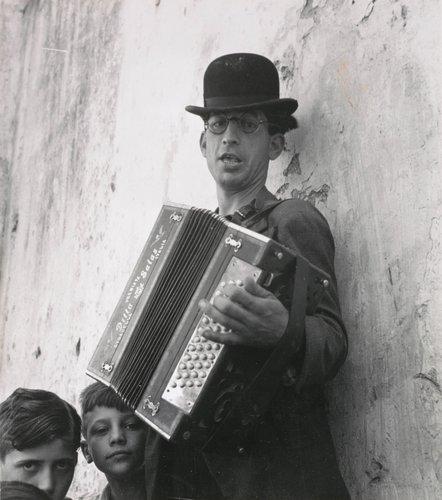 Strolling Musician, Spain