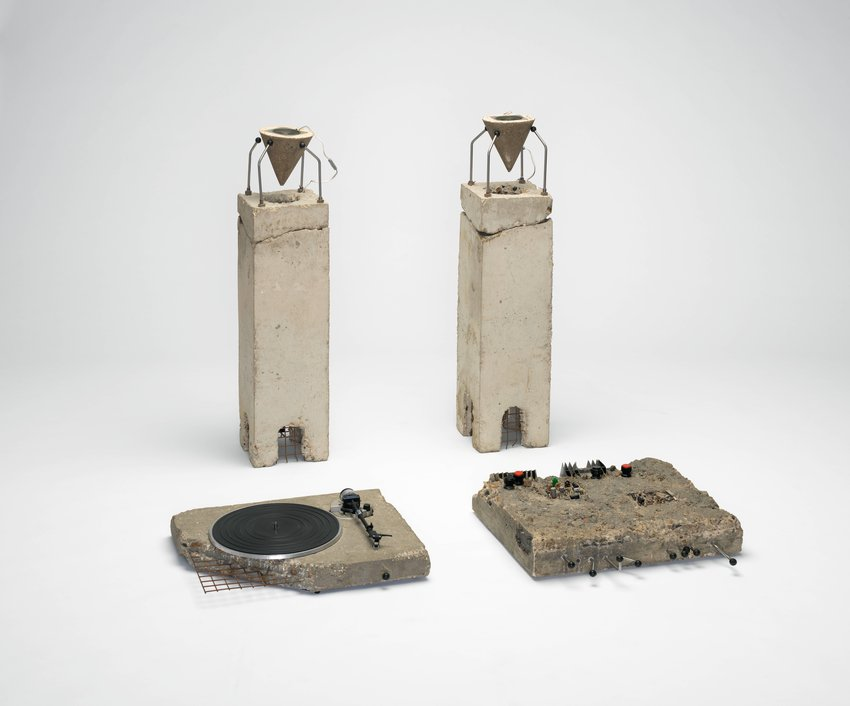 image of 'Concrete stereo'