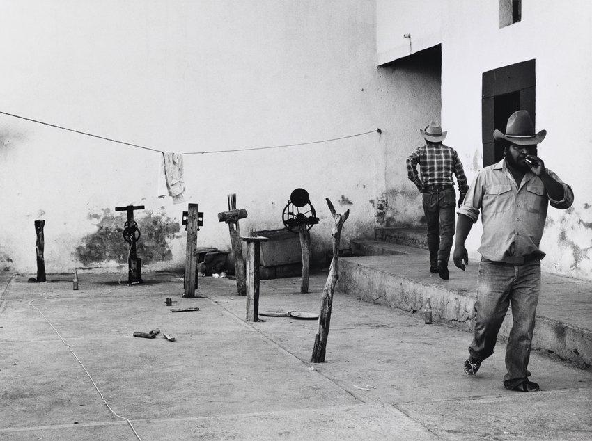 image of 'Patio de la cárcel (Prison Yard)'