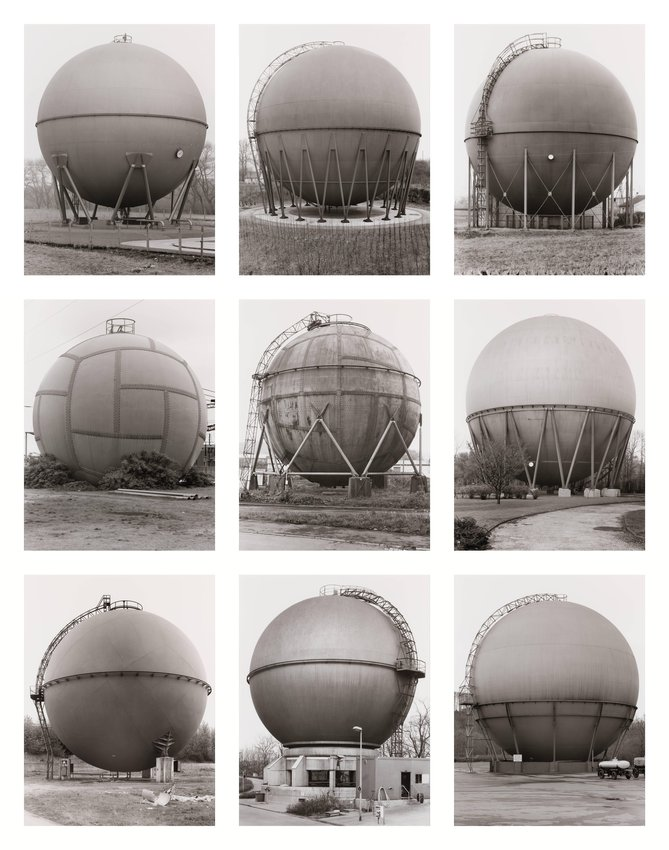 image of Gasbehälter (Kugel), Deutschland (Gas Holders [Spherical], Germany)