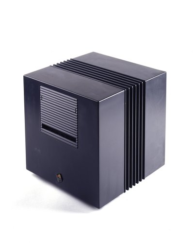 Cube desktop computer