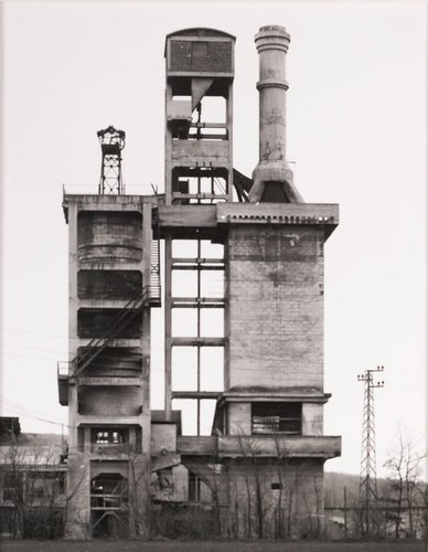 Kalköfen, ca. 1920, bei Manbenge, Nordfrankreich (Lime Kiln, ca. 1920, Manbenge, North France), from the portfolio Industriebauten (Industrial Buildings)