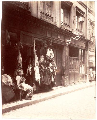 Un Cour de la Rue des Anglais