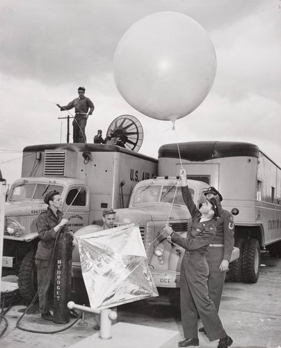Strategic Air Command, Carswell Air Force Base, Texas (soldiers with balloon)