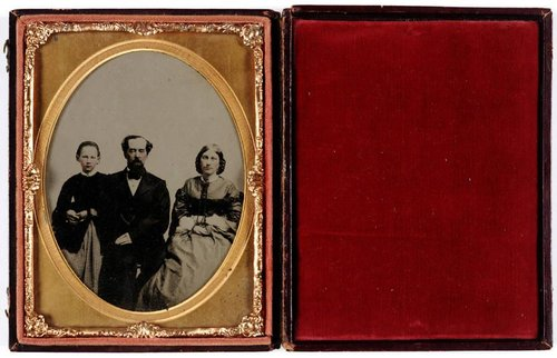 Untitled [William H.V. Cronise with his wife Kate Clement Plume Cronise and their daughter]