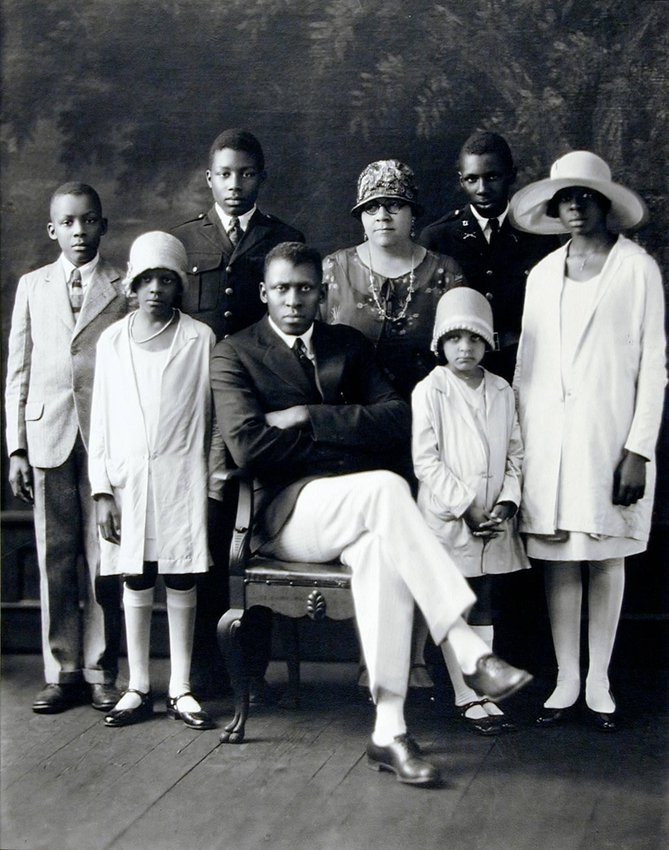 image of 'Mr. and Mrs. T. M. Campbell and Children'