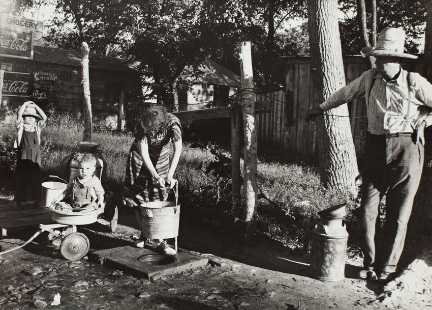 image of 'Untitled [Family in yard]'