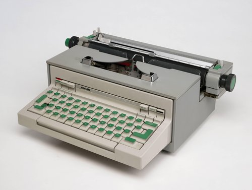 Praxis 48 Electric Typewriter