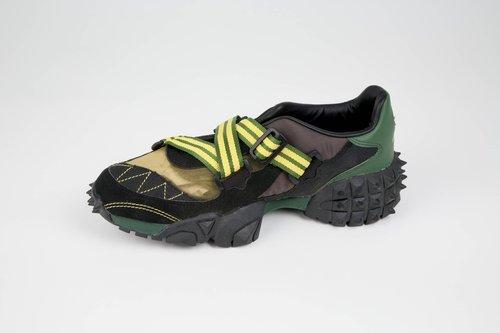 Montinyak shoe