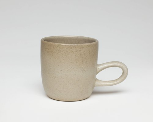 Sand studio mug from the Coupe line