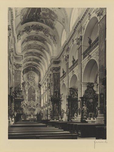 Střední loď s hlavním oltářem (View of the main alter, from the portfolio Jakubský Cyklus)