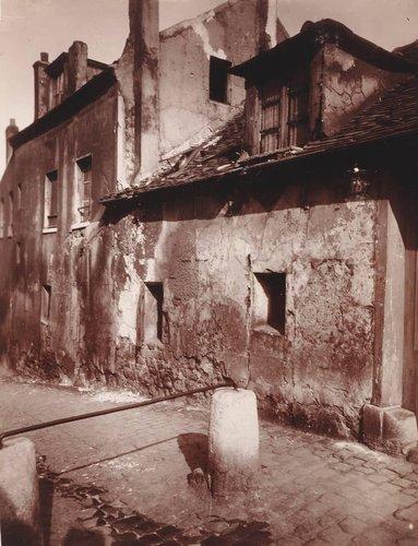 Rue du Mont-Cenis, maison de musette