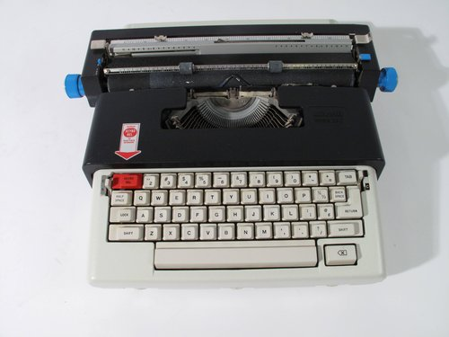 Lettera 36C portable typewriter