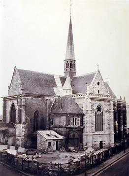 image of 'Église en restauration (Church under Restoration)'