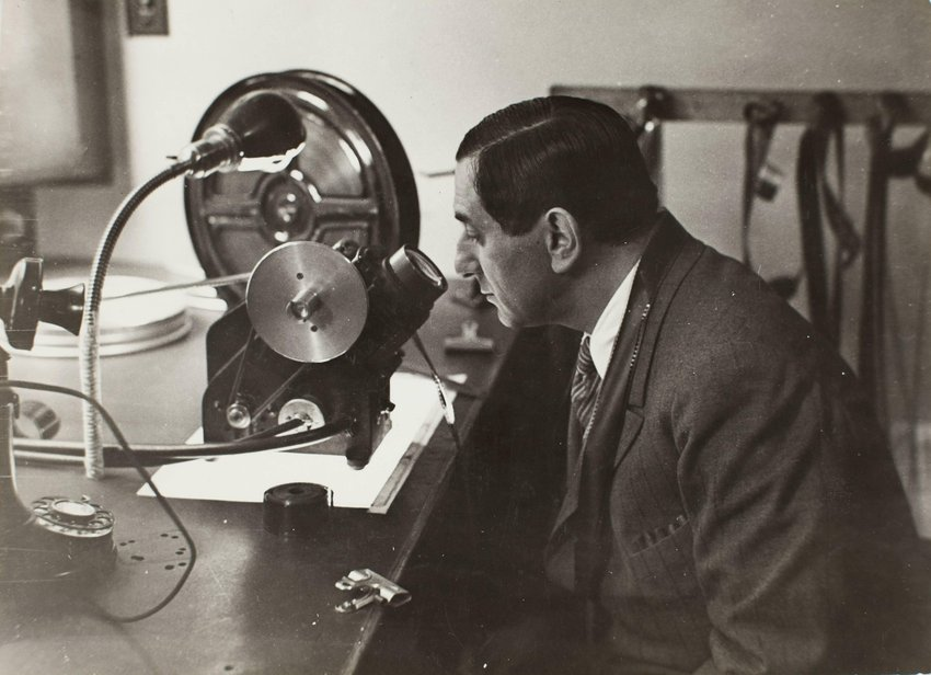 image of Film director Ernst Lubitsch at work