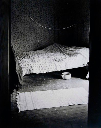 Bed with Nightpot, Home Place
