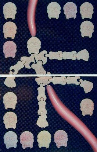 Wax Chewing Gum Tongues / Mr. Bones