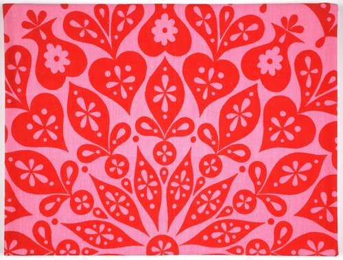 Cutout Tablecloth [Pink and red]