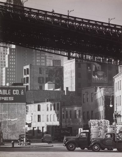 New York, South Street, Corner of Roosevelt Street and Brooklyn Bridge