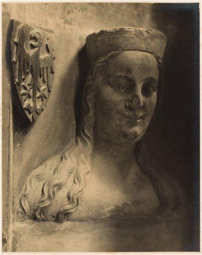 Alžběta Pomořanská, čtvrtá manželka Karla IV., busta z triforia chrámu sv. Víta (Elizabeth of Pomerania, fourth wife of Charles IV, bust of the clerestory of the cathedral, from the portfolio Svatý Vit, Saint-Guy)