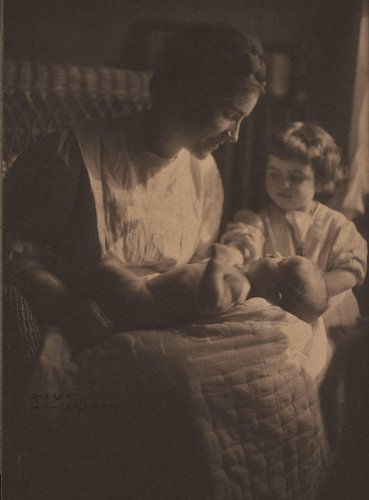 Portrait of Lela Baker and Daughter Dorothy