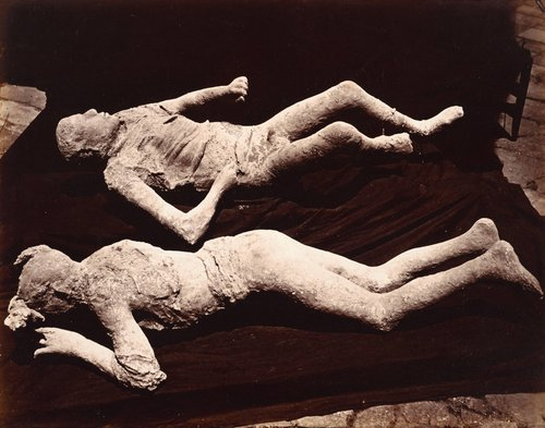 Figures at Pompeii