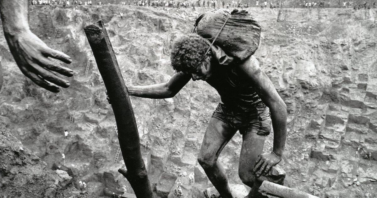 """Résultat de recherche d'images pour """"serra pelada"""""""