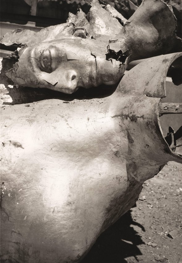 image of 'Ángel del temblor (Angel of the Quake)'