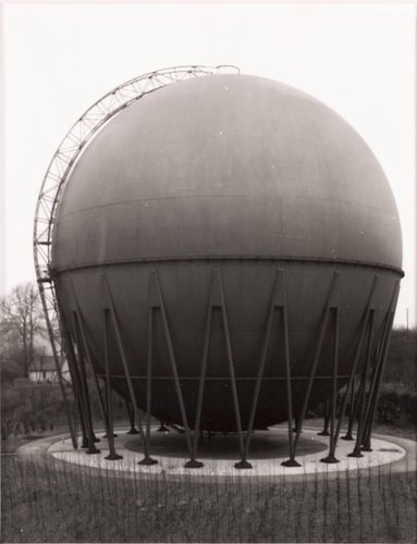 Gasbehälter, 1959, Wuppertal (Gas Holder, 1959, Wuppertal), from the portfolio Industriebauten (Industrial Buildings)