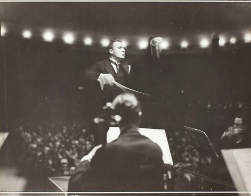 Bruno Walter conducting