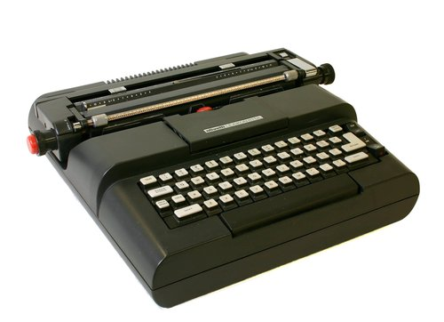 Lexikon 83DL typewriter
