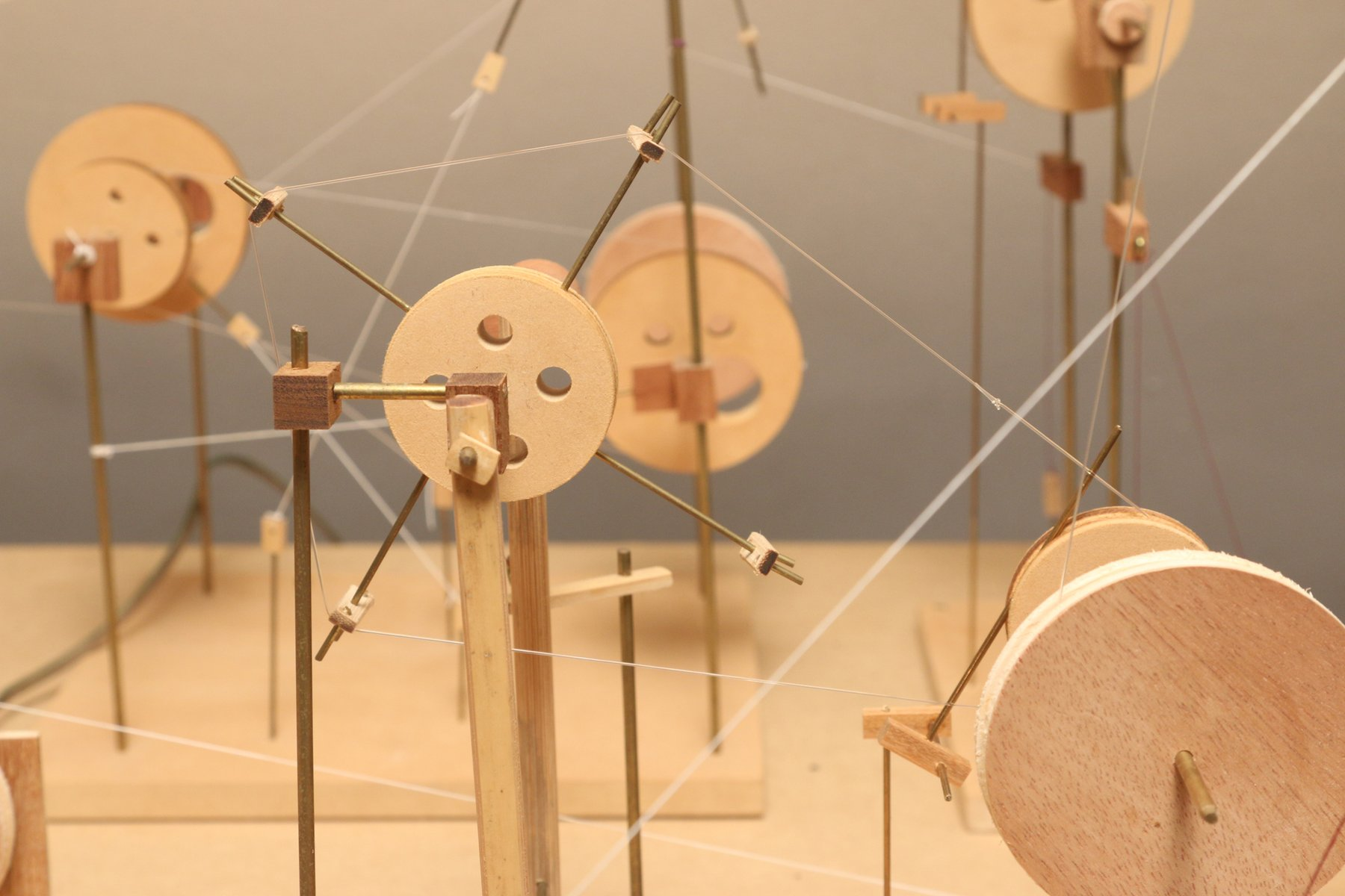 A wooden structure made of cylinders and dowels, O Grivo Soundtracks