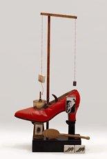 Dali, red shoe sculpture