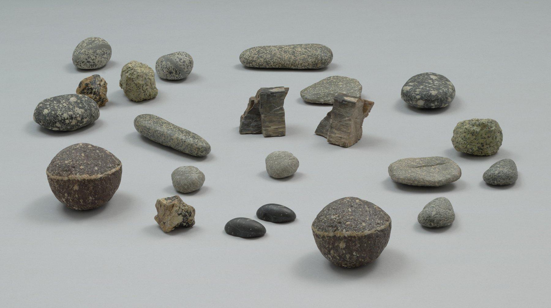 several stones on a flat plane, Vija Celmins