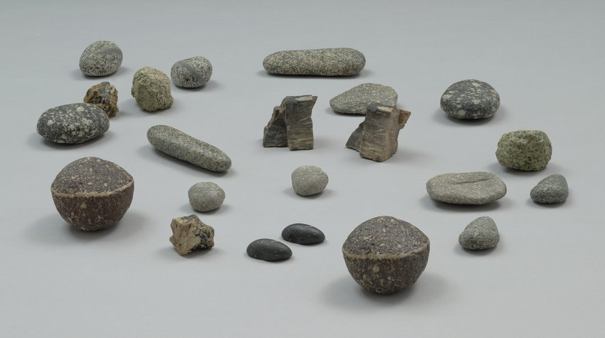 several stones on a flat plane, Vija Celmins