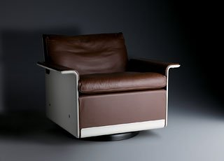 Dieter Rams, dark brown leather chair on round pedastal