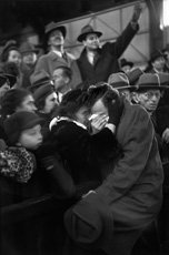 Cartier-Bresson, photo of man and woman embracing in crowd